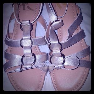 REPORT Sandals Women's size 8.5